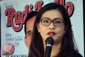 Pemilu - Kampanye Nasdem Makassar Bagi 1.111 Bunga