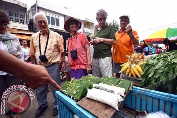 Halmahera Barat Berupaya Tarik Wisatawan Melalui Sulut