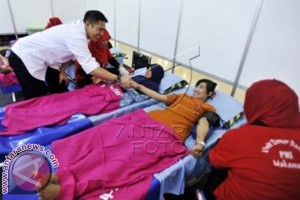 Wawali Makassar Tanam Pohon Dan Donor Darah