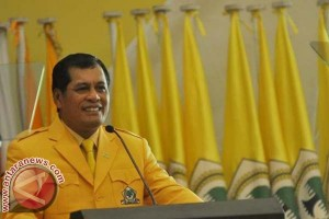 Nurdin Halid ganti delapan Ketua DPD II