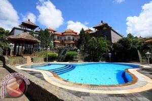 Tamu Asing Hotel Bintang Sulbar Turun