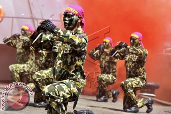 Marinir Demonstrasikan Penanganan Geng Motor