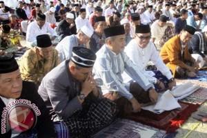 Ketua DPRD dan Pejabat Pemkab Majene Lebaran Sabtu