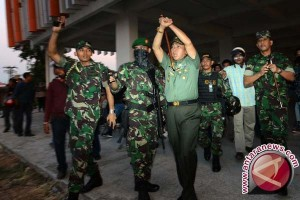 Mahasiswa UNM Sambut Pangdam dan Menolak Polisi