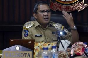 Wali Kota Makasar Luncurkan Ambulans Kepulauan