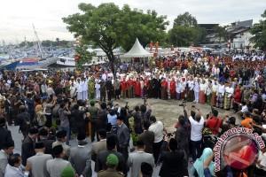 Wali Kota Lantik Pejabat Pemkot Makassar di Pelabuhan Rakyat