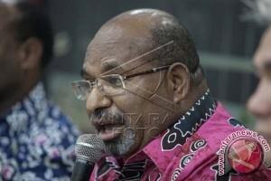 Gubernur Persilahkan Semua Anak Papua Ikut Pilgub