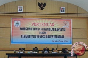 Komisi VIII orong motivasi beragama masyarakat Sulbar