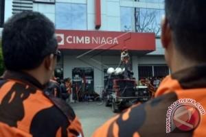 PEMUDA PANCASILA PROTES CIMB