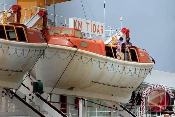 Pelabuhan Tidore Disinggahi Kapal Penumpang PT Pelni
