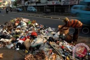 Sampah Di Makassar 1.000-1.200 Ton Per Hari