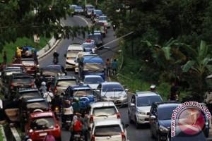 Arus balik Trans-Sulawesi Barat padat