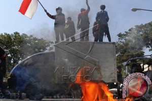 PROTES ASAP KEPULAUAN RIAU