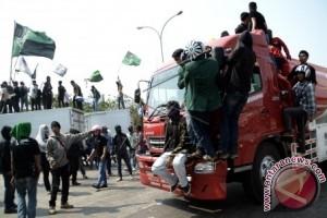 Mahasiswa Makassar peringatan Sumpah Pemuda blokir jalan
