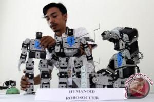 Tiga Tim UNM Ikut Kontes Robot Indonesia