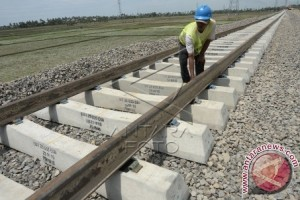 Wagub uji coba rel KA Trans Sulawesi