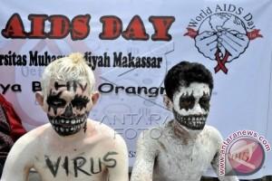 Mahasiswa Unismuh Makassar teatrikal peringati hari AIDS