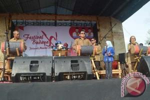 Gubernur Sulbar buka festival budaya XI di Polman