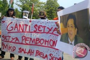 Aliansi Mahasiswa Makassar minta Setya Novanto mundur