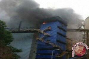 Pabrik Semen Bosowa terbakar