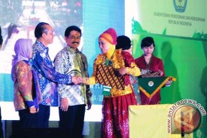 SMP Binaan Astra Agro dianugerahi Adiwiyata