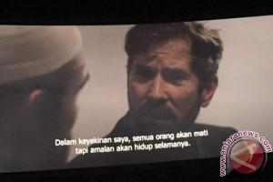 """Penulis """"Bulan Terbelah di Langit Amerika"""" Nonton Bareng di Makassar"""