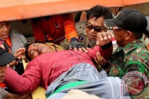 Basarnas evakuasi 103 korban penumpang KM Marina