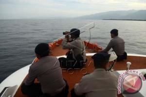 Kapal Basarnas dikerahkan cari penumpang kapal karam