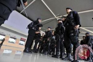Pengamanan Bandara Hasanuddin ditingkatkan terkait bom Surabaya