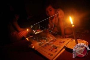 Pemadaman listrik enam jam di Makassar dikeluhkan