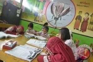 Sekda Mamuju Tengah Ajak Anak Rajin Membaca