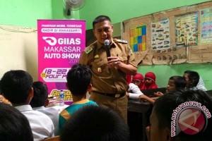 Wawali Makassar semangati anak sekolah lanjutkan pendidikan