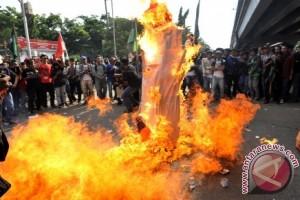 FPPI Mamuju Demo Tolak Impor Beras