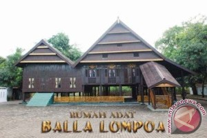 Ratusan orang padati syukuran Balla Lompoa Bantaeng