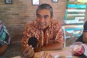 DPRD Makassar diminta tinjau ulang perda rokok
