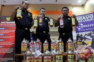 Bea Cukai Makassar gagalkan peredaran miras ilegal