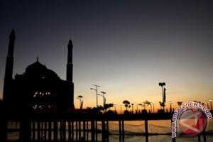 161 masjid di Makassar dapat bantuan hibah