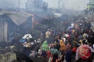 Wawali Makassar tinjau lokasi kebakaran Pasar Pannampu