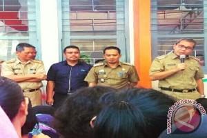 Wali Kota Makassar serahkan bantuan keluarga harapan