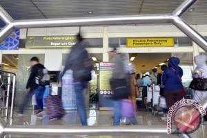Jumlah angkutan udara Sulbar turun 8,86 persen