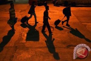 Ratusan pemudik tertahan di Pelabuhan Makassar