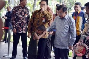 "Wapres Jusuf Kalla ""open house"" di Makassar"