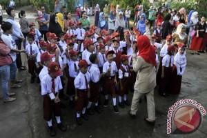 Hari pertama sekolah di Makassar diisi praorientasi