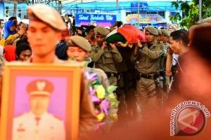 Wawali Makassar pimpin upacara pelepasan jenazah kadisnya