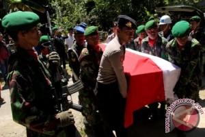 Serda Ilman dimakamkan secara militer di Pangkep