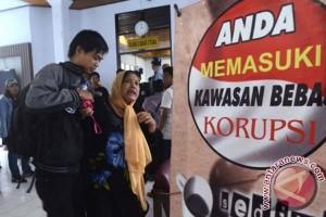 Hakim PTUN denda penggugat reklamasi CPI Rp2,6 juta