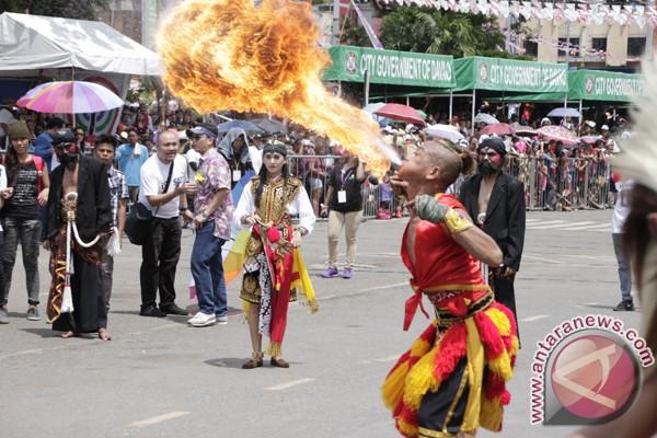 Perayaan Festival Kadayawan di Davao