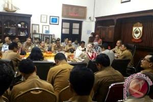 Wali Kota Makassar genjot SKPD untuk Adipura