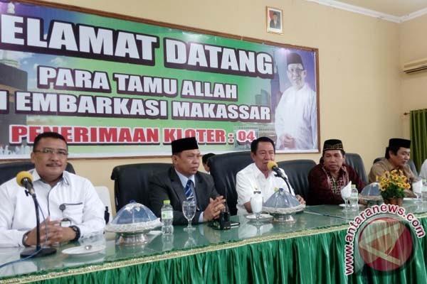 Bupati Wajo sambut jamaah haji di Makassar