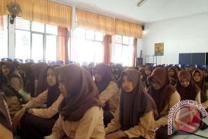 Wali Kota Makassar luncurkan gerakan literasi sekolah